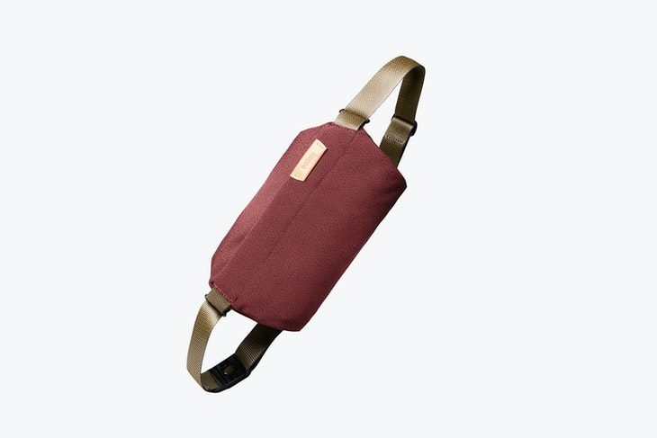 Bellroy Sling mini red earth
