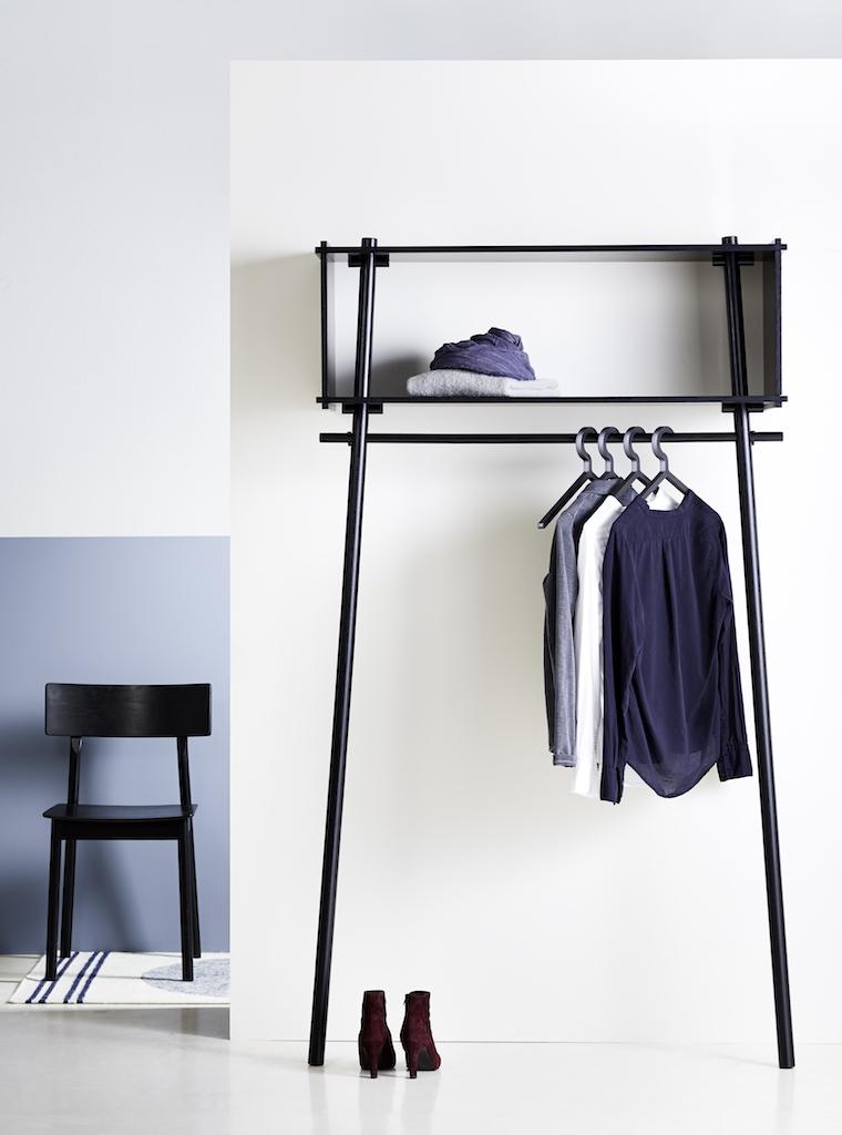 Woud Garderobe Töjbox Eiche schwarz lackiert