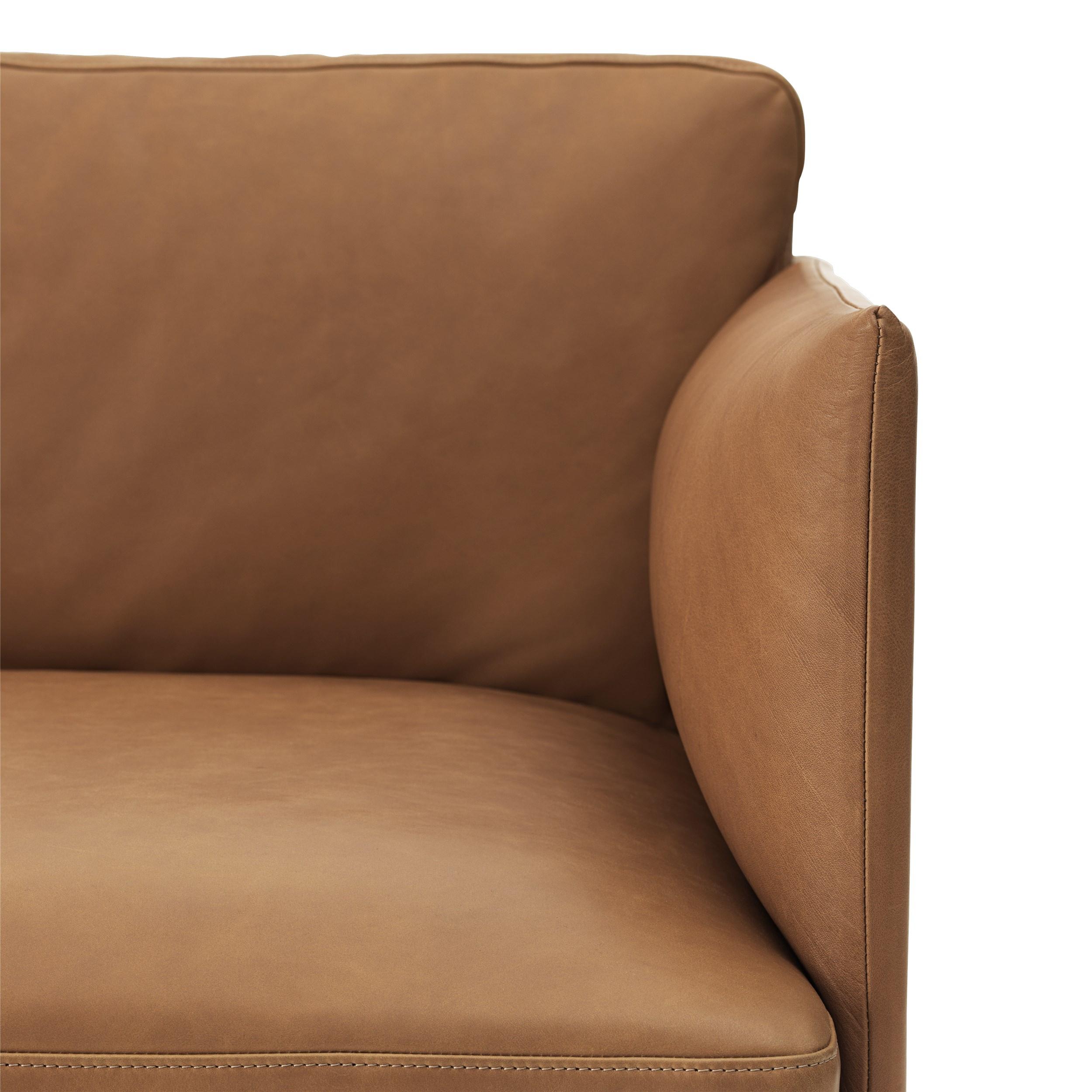 muuto Sofa Outline 3 Sitzer Silk Leder cognac