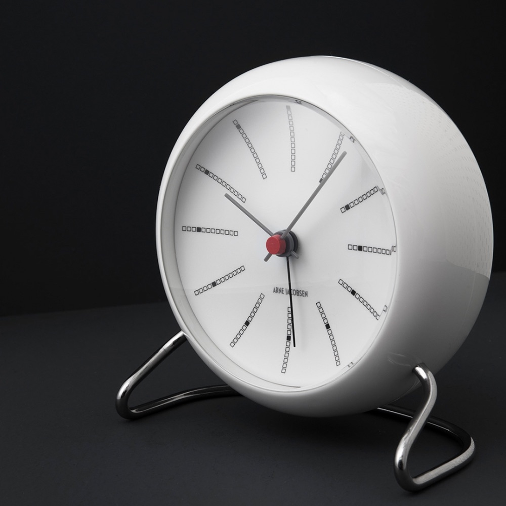 Arne Jacobsen Bankers Tischuhr weiß