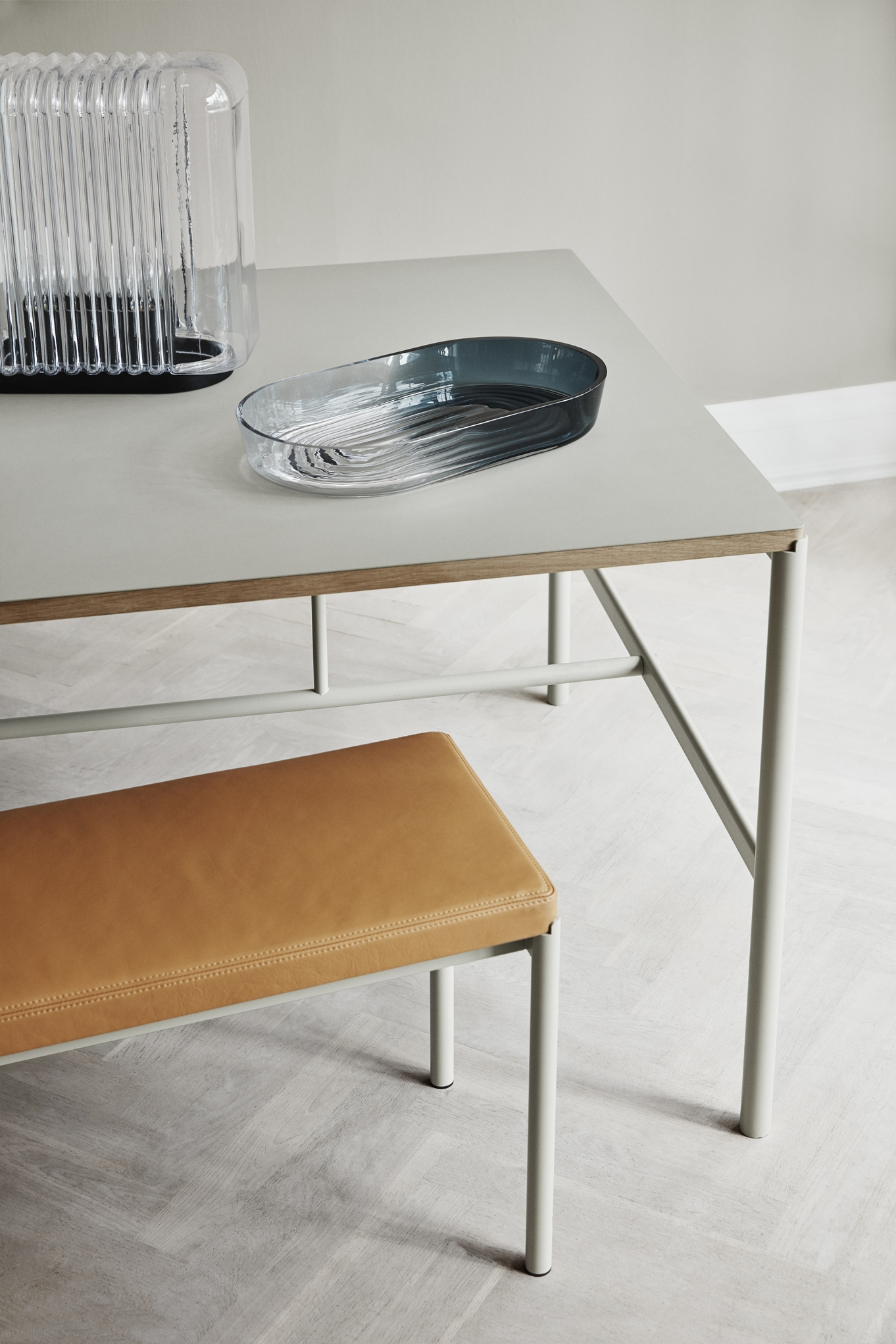 Million Copenhagen MIES Dinig Table black  linoleum oak