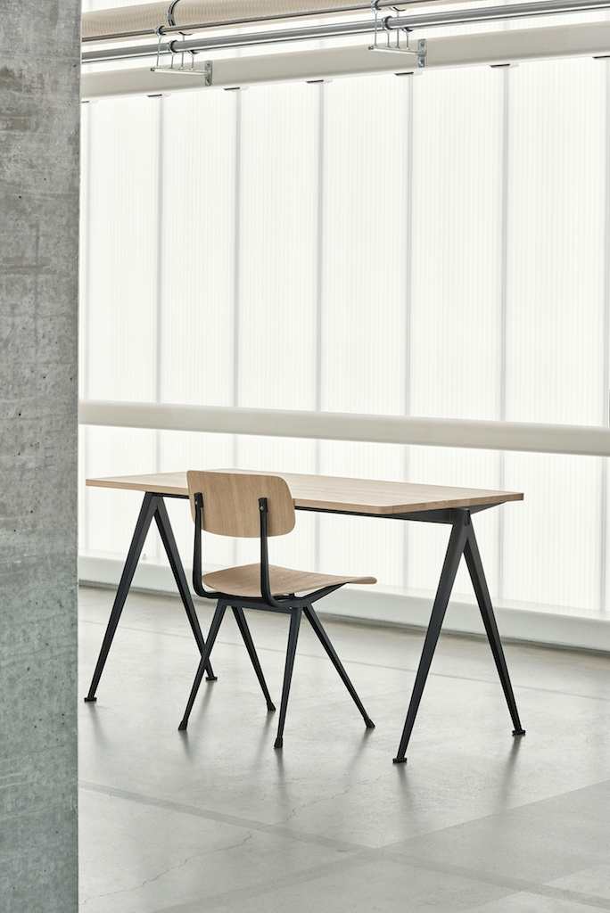 HAY Tisch Pyramid Table 01 black - oak clear laquered