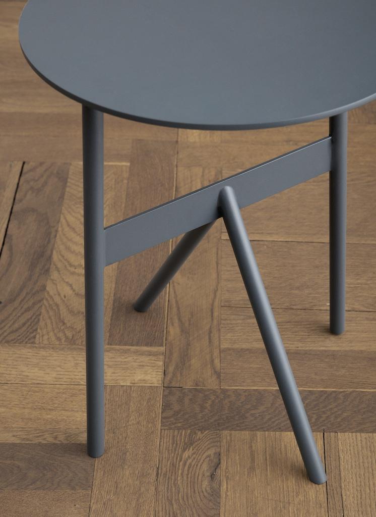 normann copenhagen Stock Tisch stahlblau