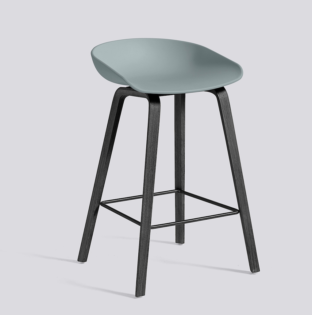HAY About a Stool 32 schwarz dusty blue