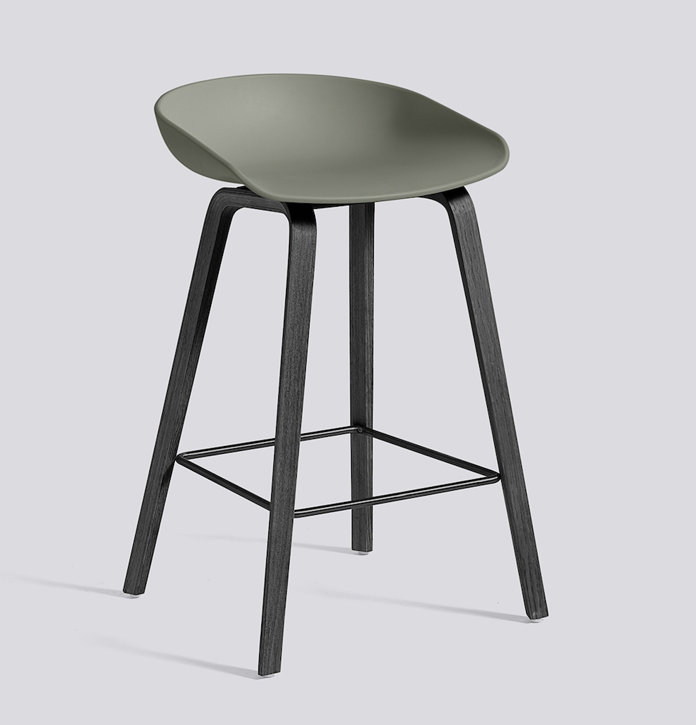 HAY About a Stool 32 schwarz dusty green